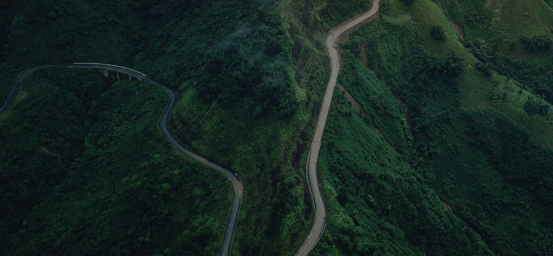 ortofotomapy z drona zdjęcie górskiej drogi