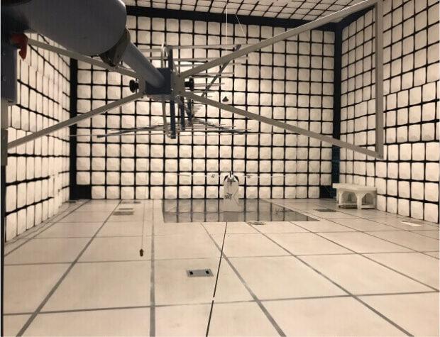 bezzałogowy system cywilny zdjęcie podczas testów w laboratorium
